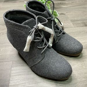 DR SCHOLLS | sz 6 Kennedy charcoal Ankle Boots